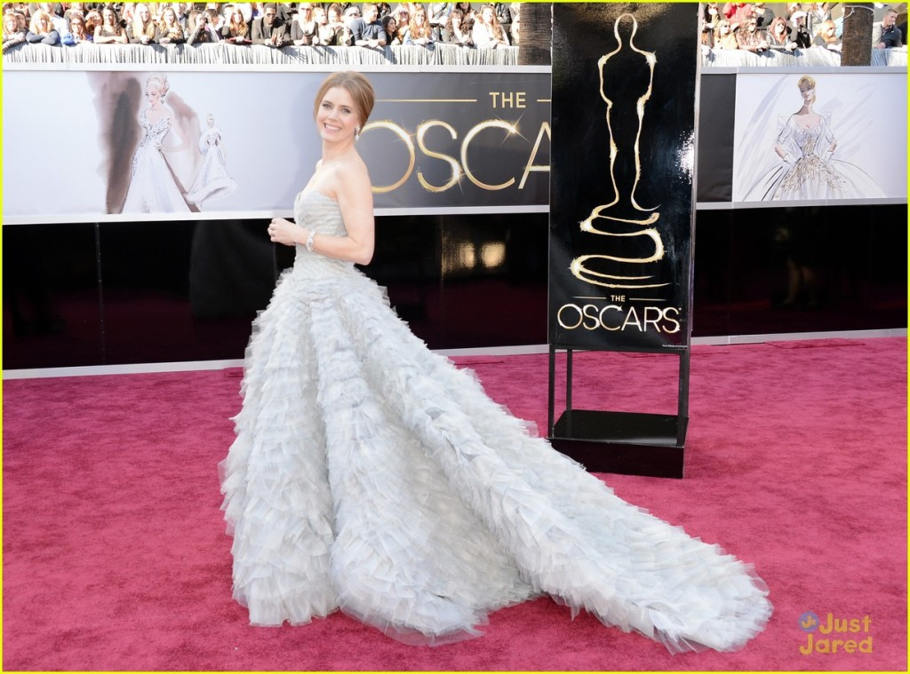 amy-adams-darren-le-gallo-oscars-2013-red-carpet-03