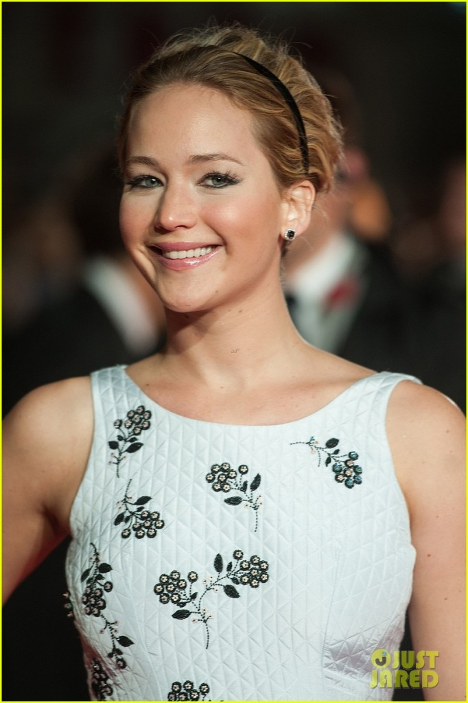 jennifer-lawrence-hunger-games-mockingjay-london-premiere-07