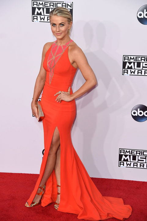 julianne-hough-red-dress-american-music-awards-2014-h724