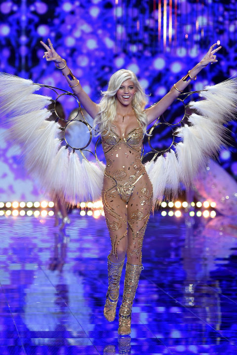 09-victorias-secret-fashion-show