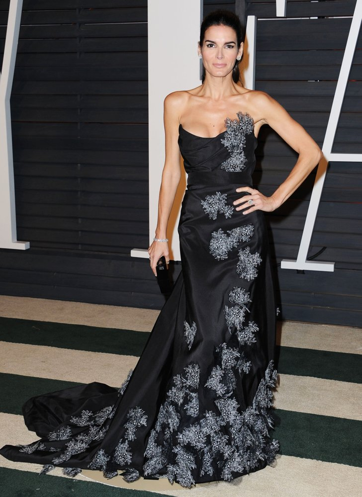 angie-harmon-2015-vanity-fair-oscar-party-02