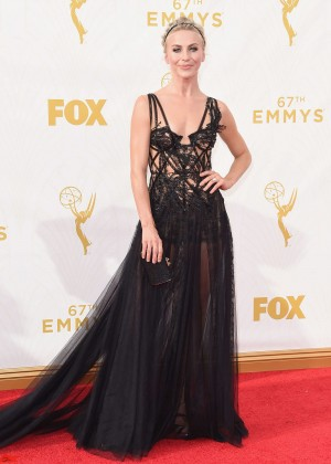 Julianne-Hough_-2015-Emmy-Awards--15-300x420
