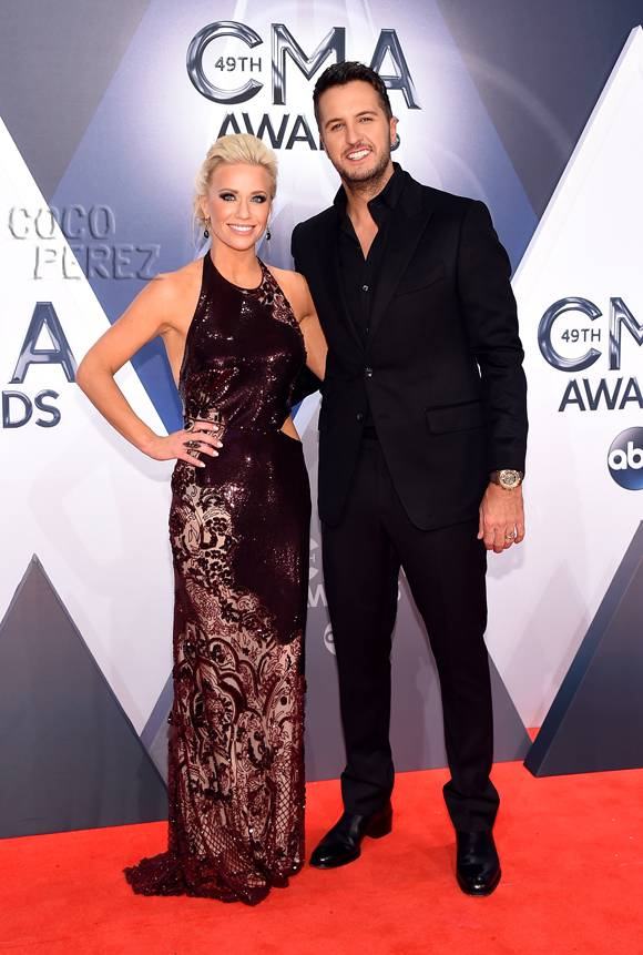 luke-bryan-caroline-boyer-cma-awards-2015-red-carpet(1)__oPt