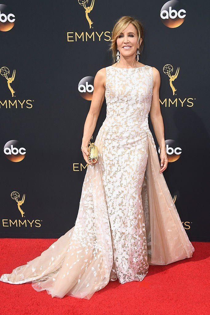 2016-emmys-felicity-huffman