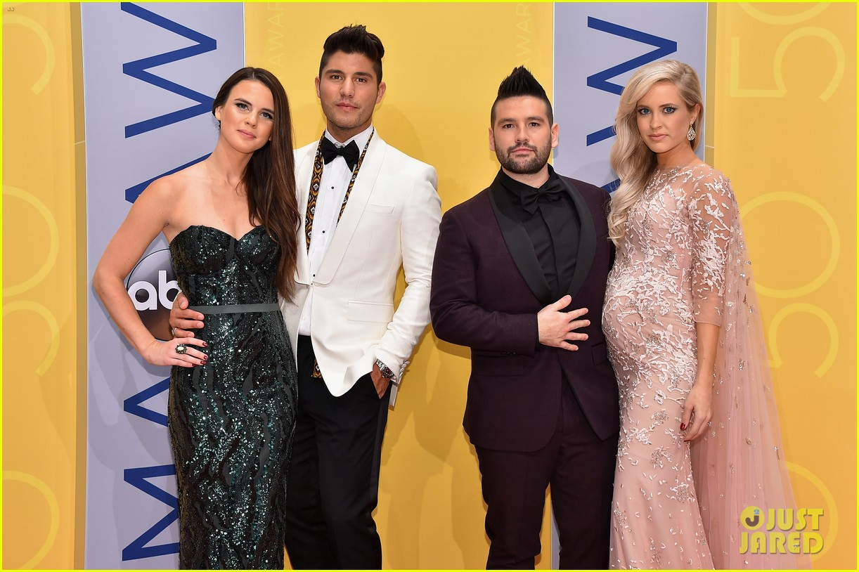 dan-and-shay-cma-awards-2016-03